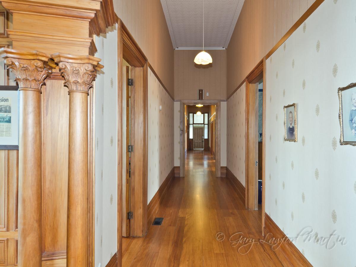 46 Alfred St Hallway