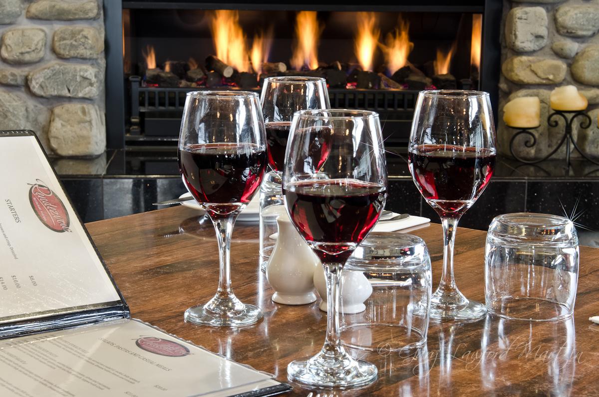 Rendezvous Wine Setting
