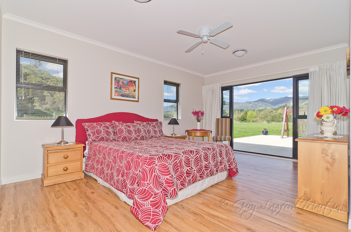 1348d Pohangina Rd Master Bedroom